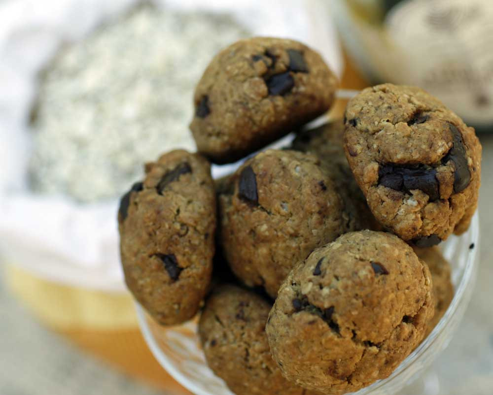 Oatmeal Molassas Cookies  Oatmeal cookies with molasses tahini and chocolate chunks