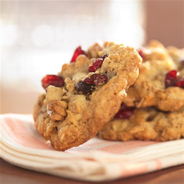 Oatmeal Walnut Cookies  Cranberry Walnut Oatmeal Cookies