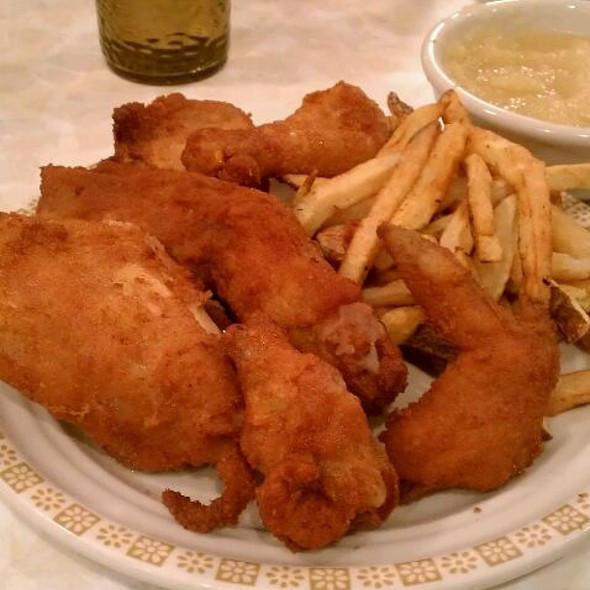 Ohio Fried Chicken  Milich s Village Inn fried chicken Foodspotting
