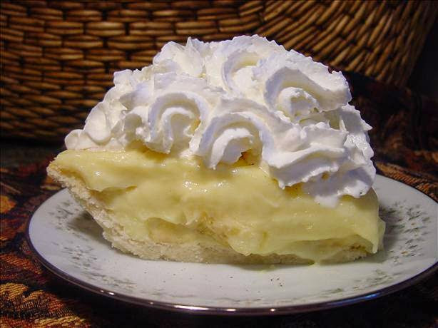 Old Fashioned Banana Cream Pie  Wel e Home Blog ♥ Old Fashioned Banana Cream Pie