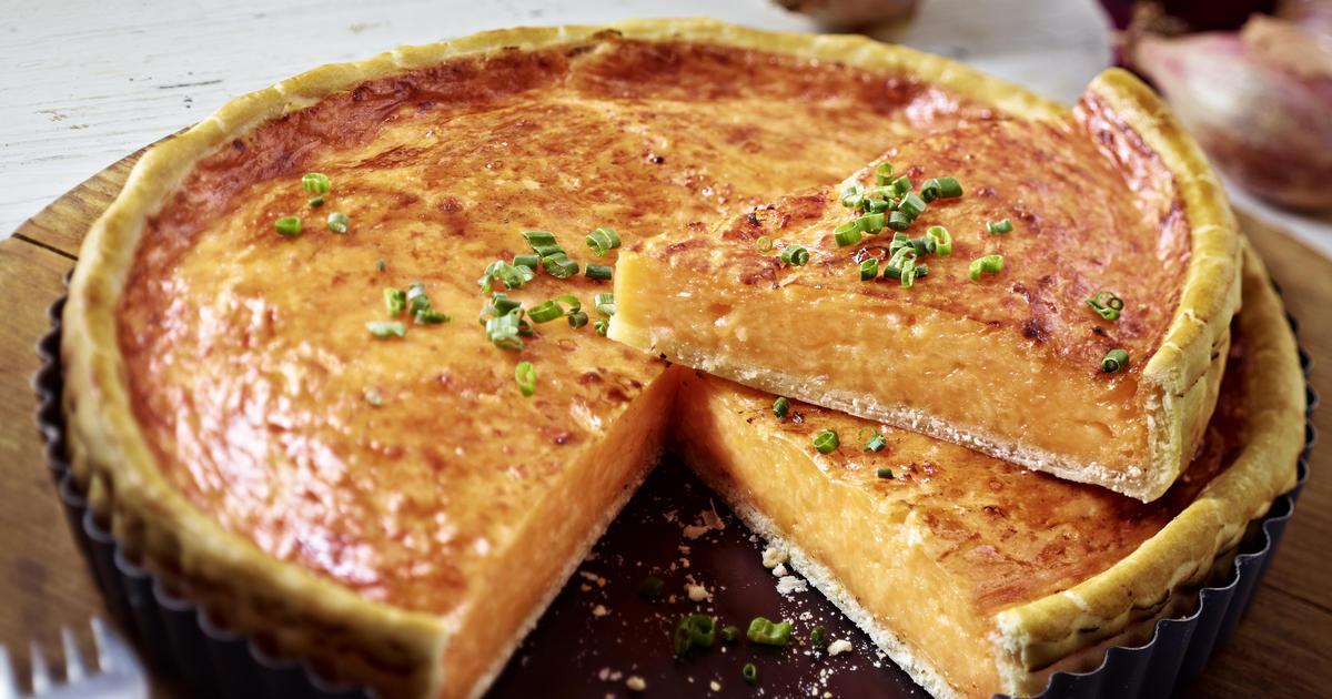 Onion Pie Recipe  Cheese and onion pie