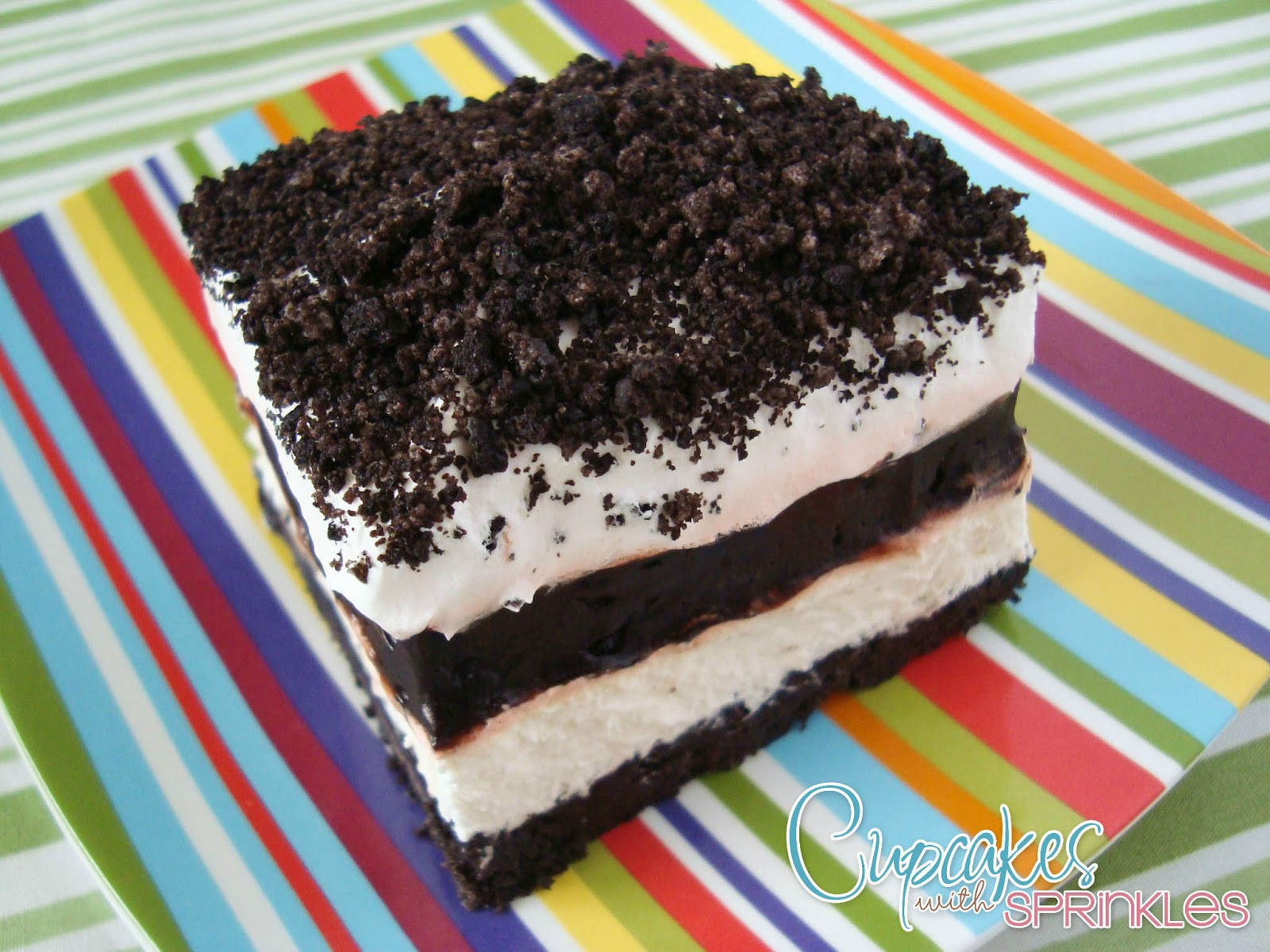 Oreo Dessert Recipes  Cupcakes with Sprinkles Oreo Pudding Layered Dessert