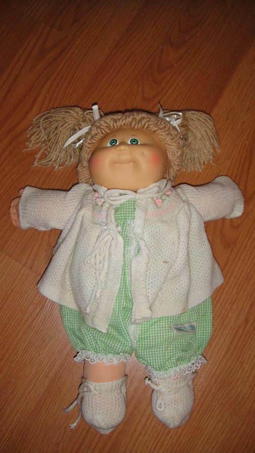 Original Cabbage Patch Kids  VINTAGE CABBAGE PATCH KIDS DOLL W ORIGINAL OUTFIT