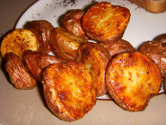 Oven Roasted Baby Potatoes  What s Sara Cookin oven roasted baby red or yukon gold