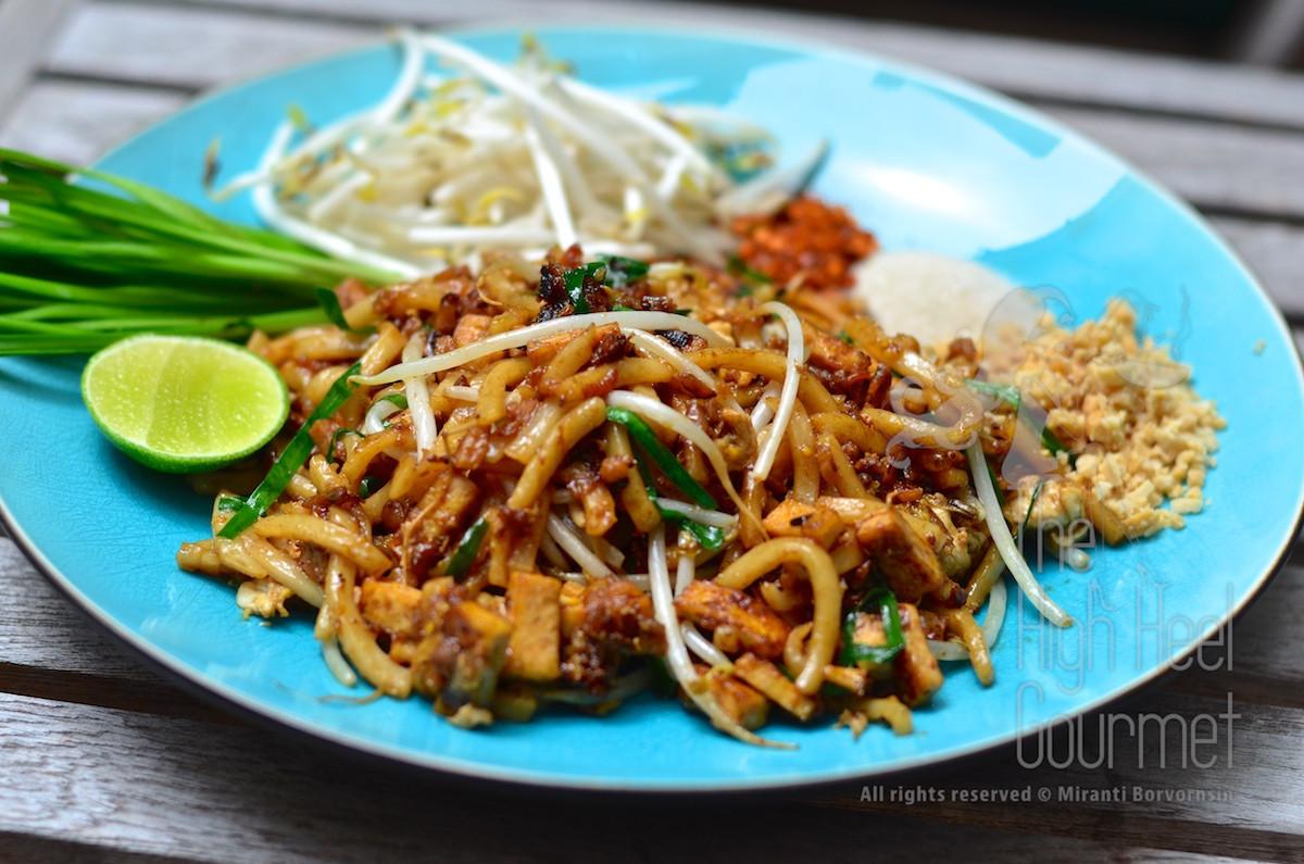 Pad Thai Noodles  The Variations of Pad Thai Recipe PadThai with Egg Crêpe