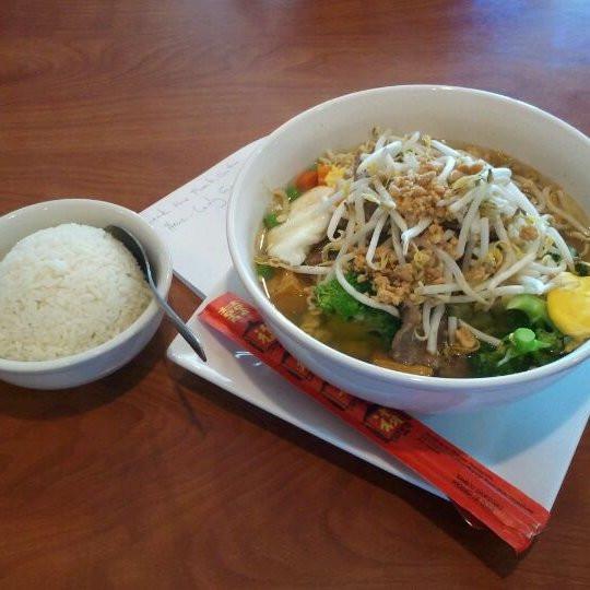 Pad Thai On Grand  Thai Chef Restaurant Northeast Grand Rapids Grand