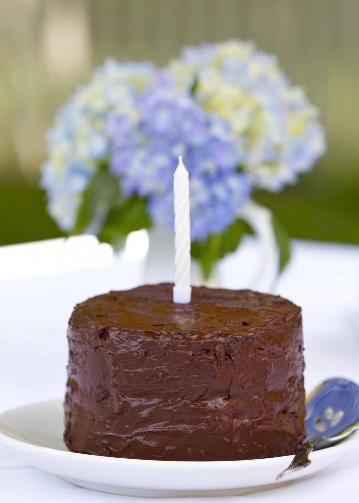 Paleo Birthday Cake  Paleo Chocolate Birthday Cake