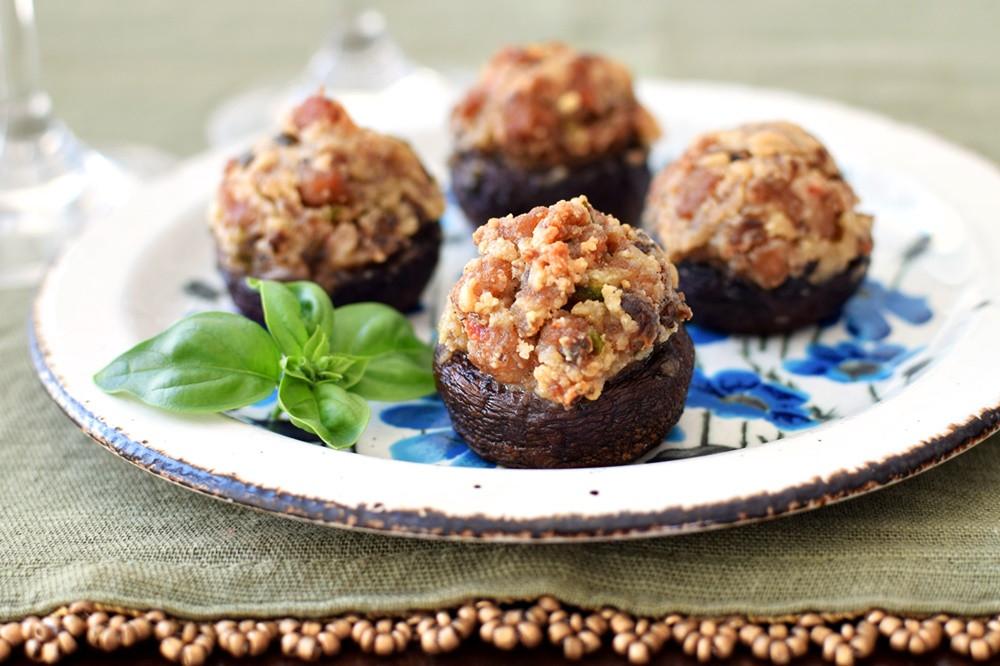 Paleo Stuffed Mushrooms  Rich Italian Paleo Stuffed Mushrooms Recipe