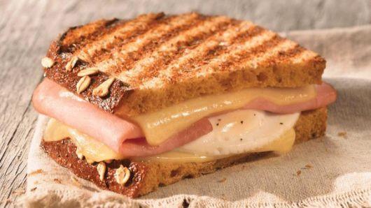 Panera Bread Breakfast Time  Panera CEO weighs in on fast food breakfast war