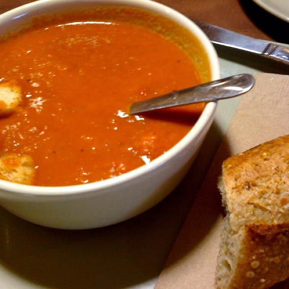Panera Tomato Soup  Panera Bread Ve arian Creamy Tomato Soup Foodspotting