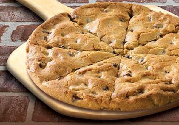 Papa John'S Desserts  Papa John s Mega Chocolate Chip Cookie Pizza Cookie