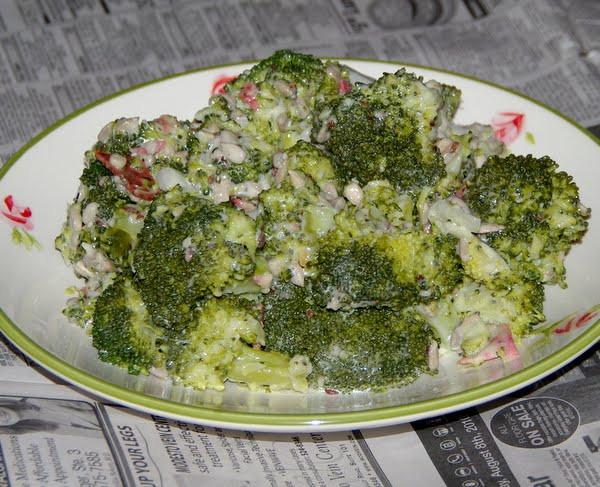 Paula Deen Broccoli Salad  veggie num nums Paula Deen s Broccoli Salad