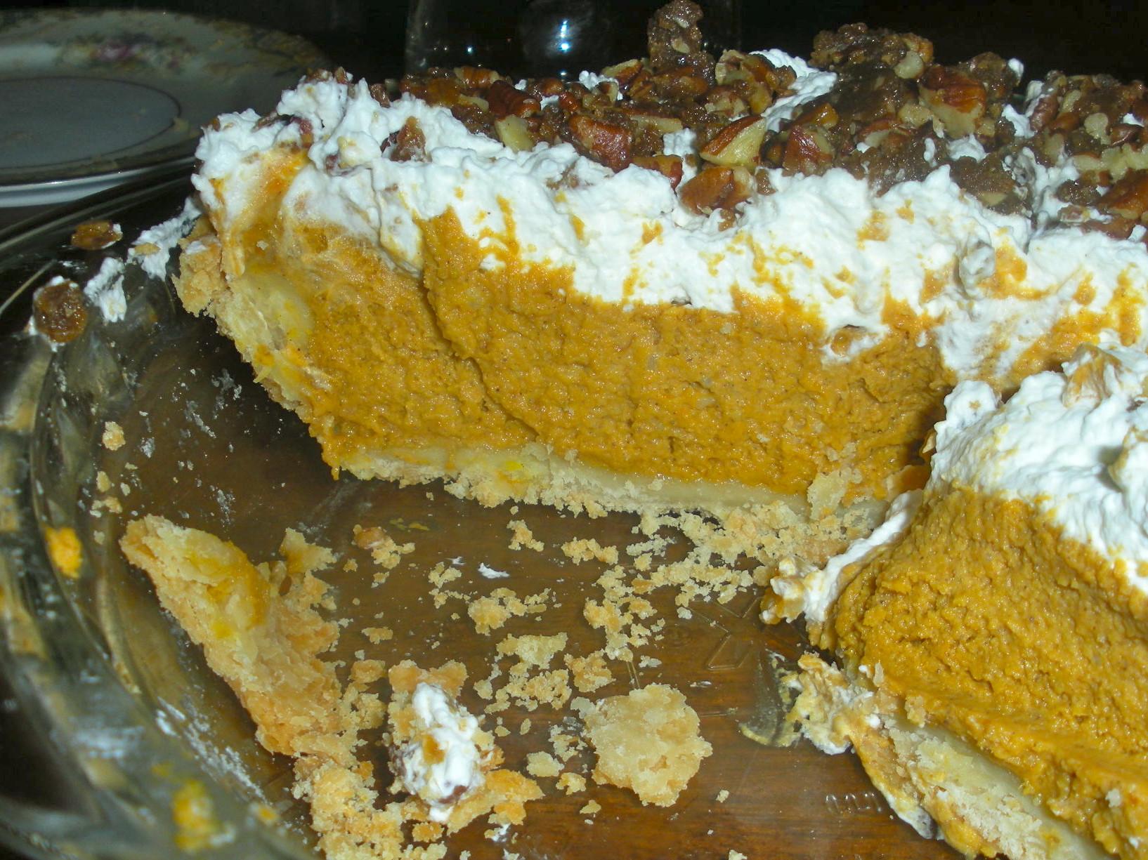 Paula Deen Pumpkin Pie  Paula Deen s Rum Pumpkin Pie with Praline Pecans