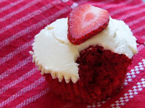 Paula Deen Red Velvet Cake  paula deen red velvet cupcakes rwee406rib red velvet