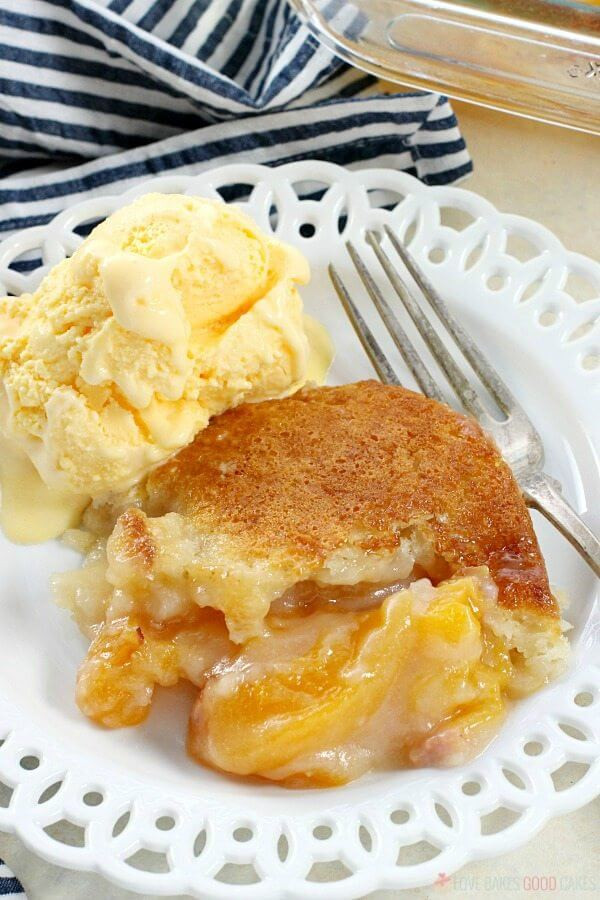 Peach Cobbler Southern  Easy Southern Peach Cobbler Love Bakes Good Cakes