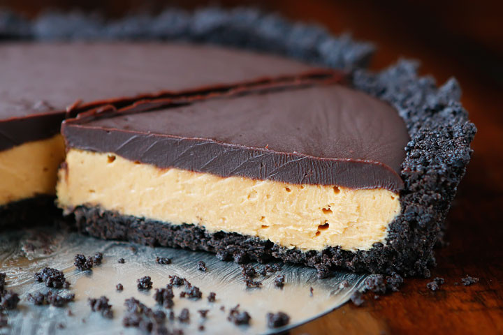Peanut Butter Pie Without Cream Cheese  The BEST No Bake Peanut Butter Pie recipe with NO cream