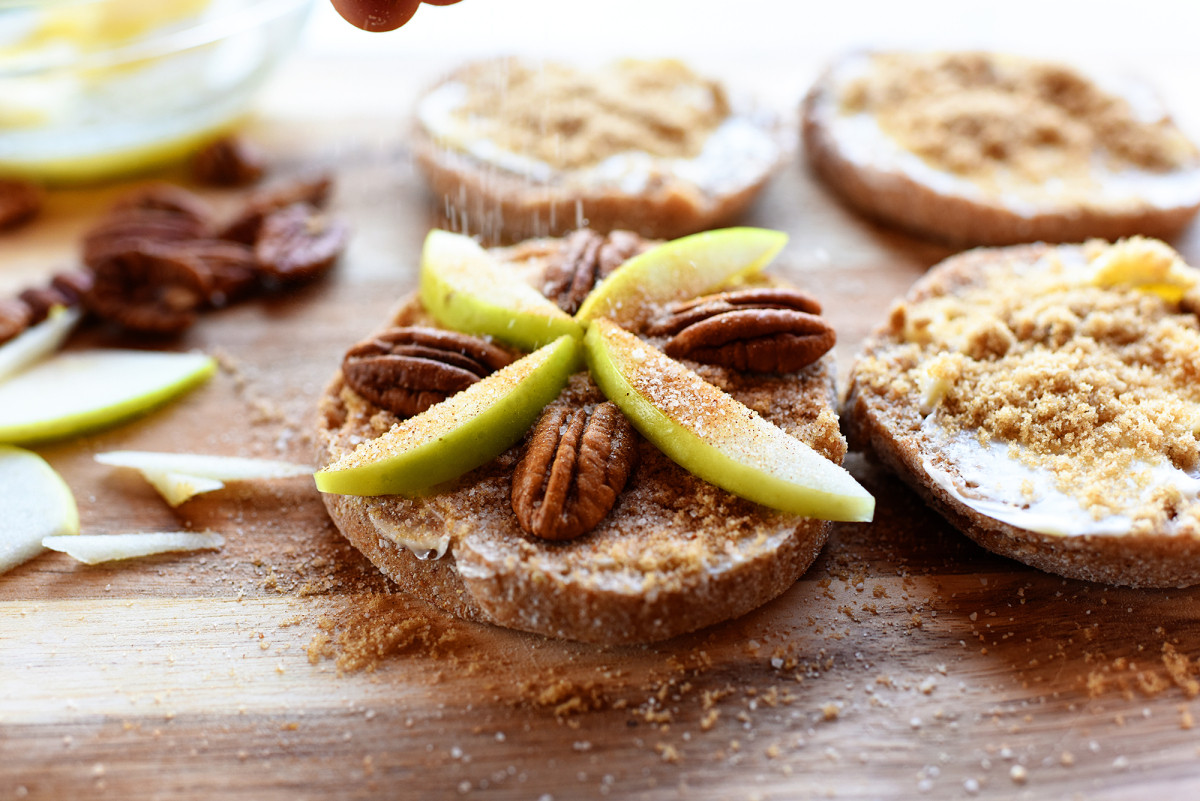 Pecan Pie Pioneer Woman  Apple Pecan Mini Pies