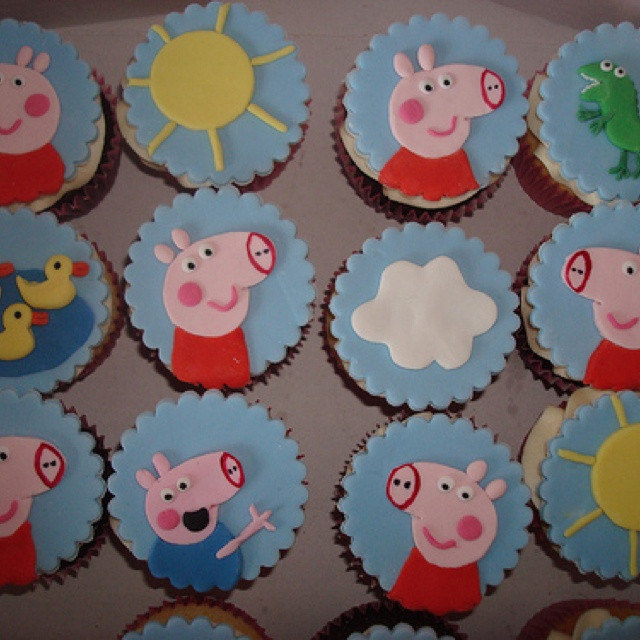 Peppa Pig Cupcakes  17 Best images about Peppa Pig Party on Pinterest