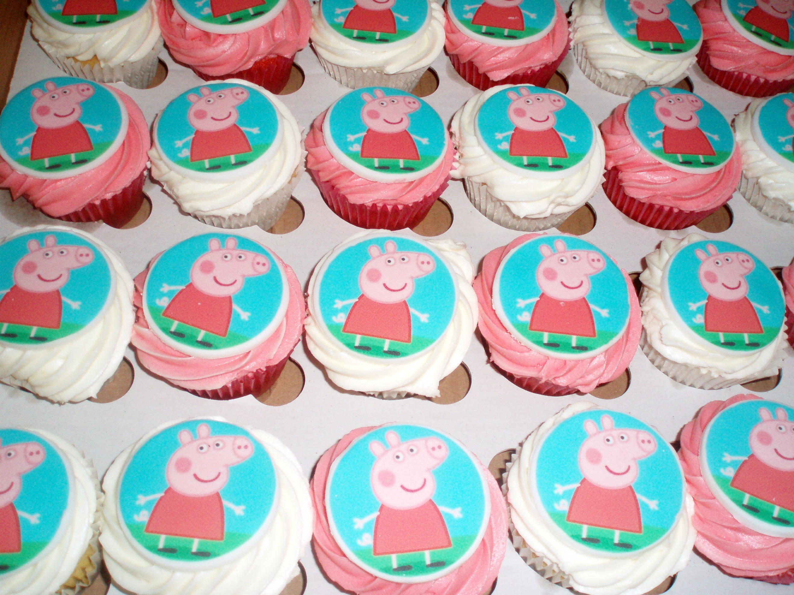 Peppa Pig Cupcakes  Cake Tales Notorious P I G