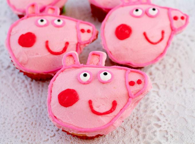 Peppa Pig Cupcakes  Peppa Pig Cupcakes Two Sisters