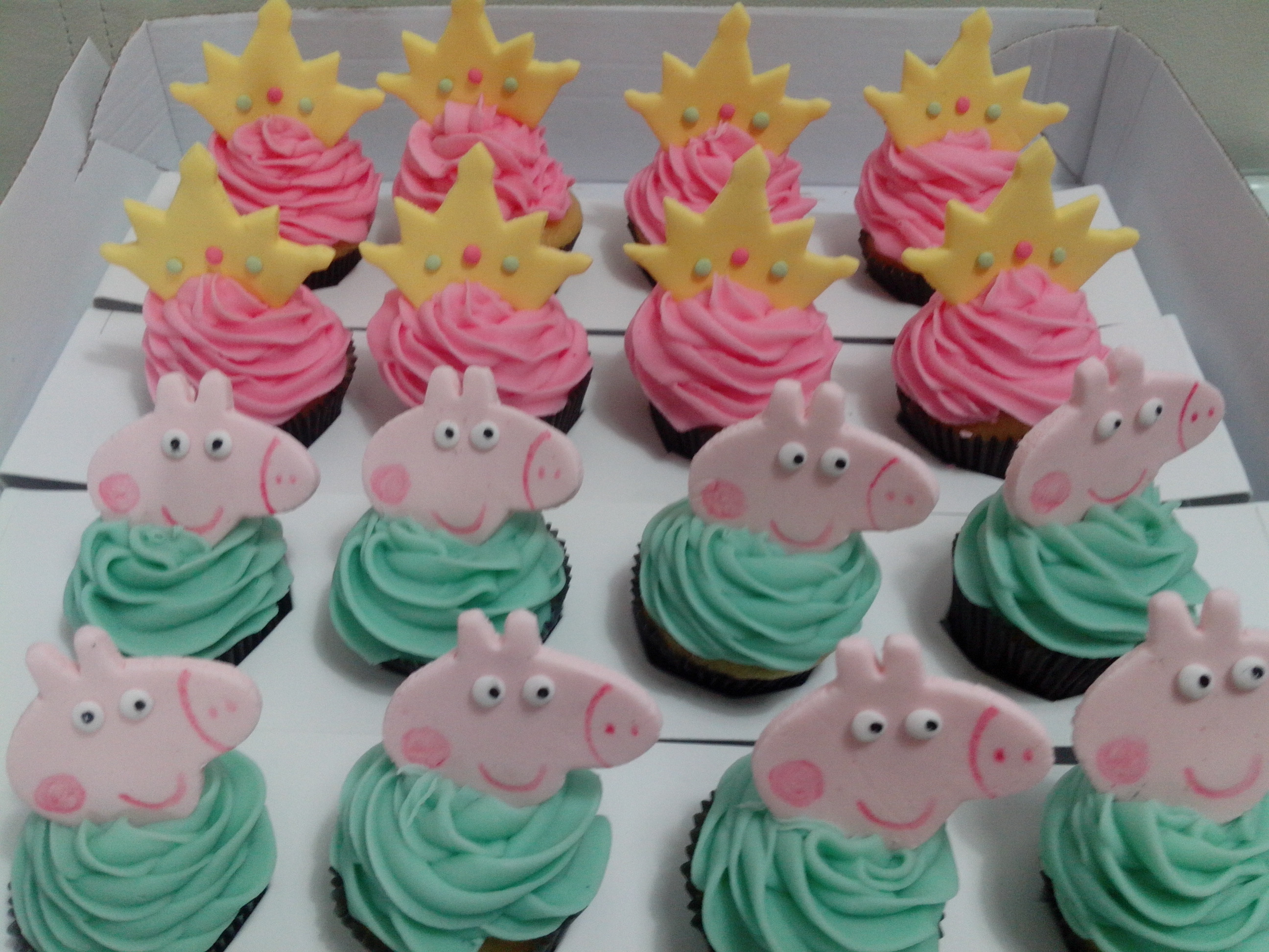 Peppa Pig Cupcakes  Peppa Pig Cupcakes Cake Ideas and Designs
