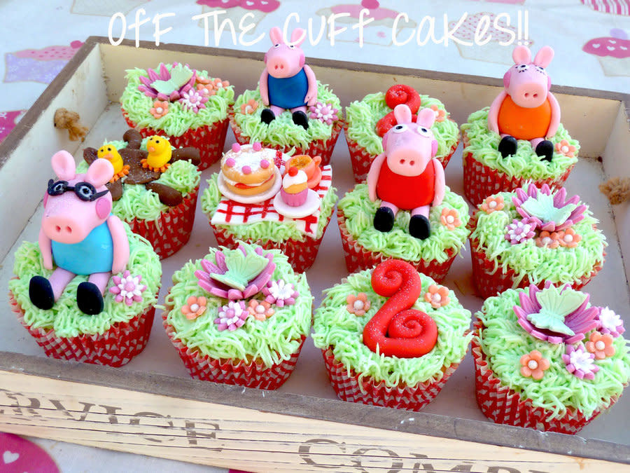 Peppa Pig Cupcakes  Peppa Pig cupcakes cake by F ThE CuFf CaKeS CakesDecor