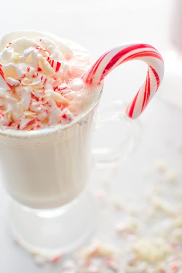 Peppermint Hot Chocolate  COPYCAT STARBUCKS PEPPERMINT WHITE HOT CHOCOLATE COOKTORIA