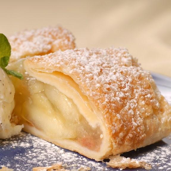 Phyllo Dough Dessert Recipes  Phyllo Dough Apple Strudel Dessert Recipe