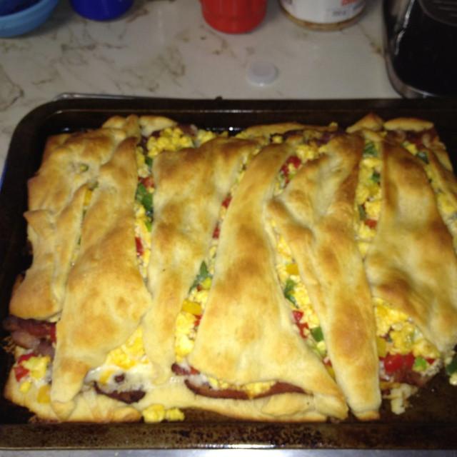 Pillsbury Breakfast Recipe  pillsbury croissant breakfast casserole