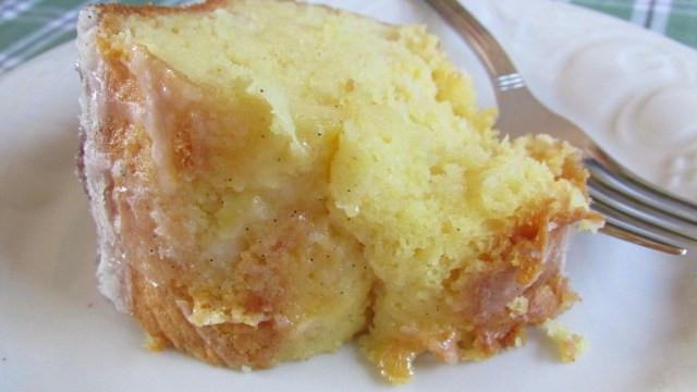 Pineapple Poke Cake  PINEAPPLE BUNDT POKE CAKE