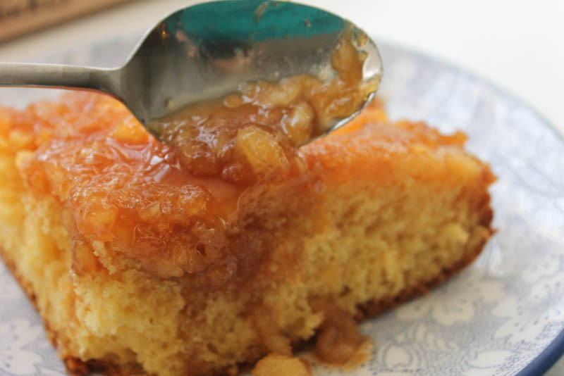 Pineapple Upside Down Cake Using Cake Mix And Crushed Pineapple  That s so Michelle Pineapple Upside Down Cake