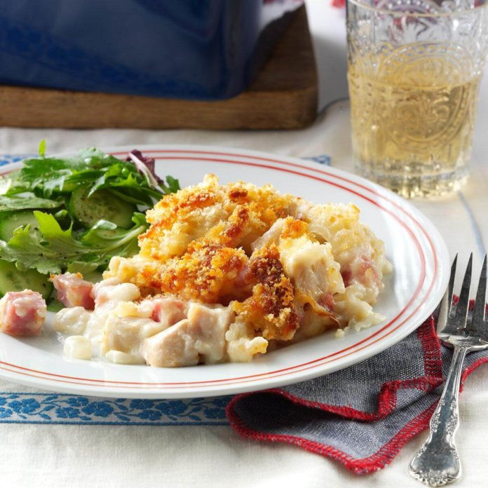 Pioneer Woman Chicken Cordon Bleu Casserole  17 Potluck Recipes That the Pioneer Woman Loves