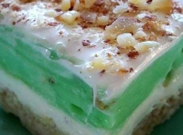 Pistachio Pudding Dessert  Pistachio Pudding Dessert Recipe