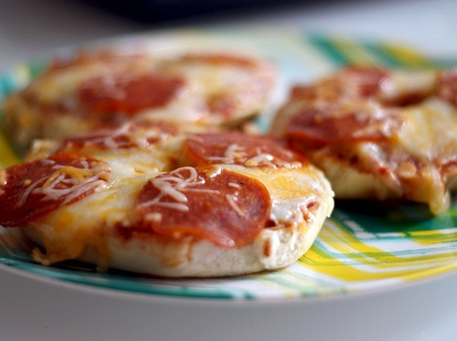 Pizza Bagels Recipe  How to Make Pizza Bagels Recipe Snapguide