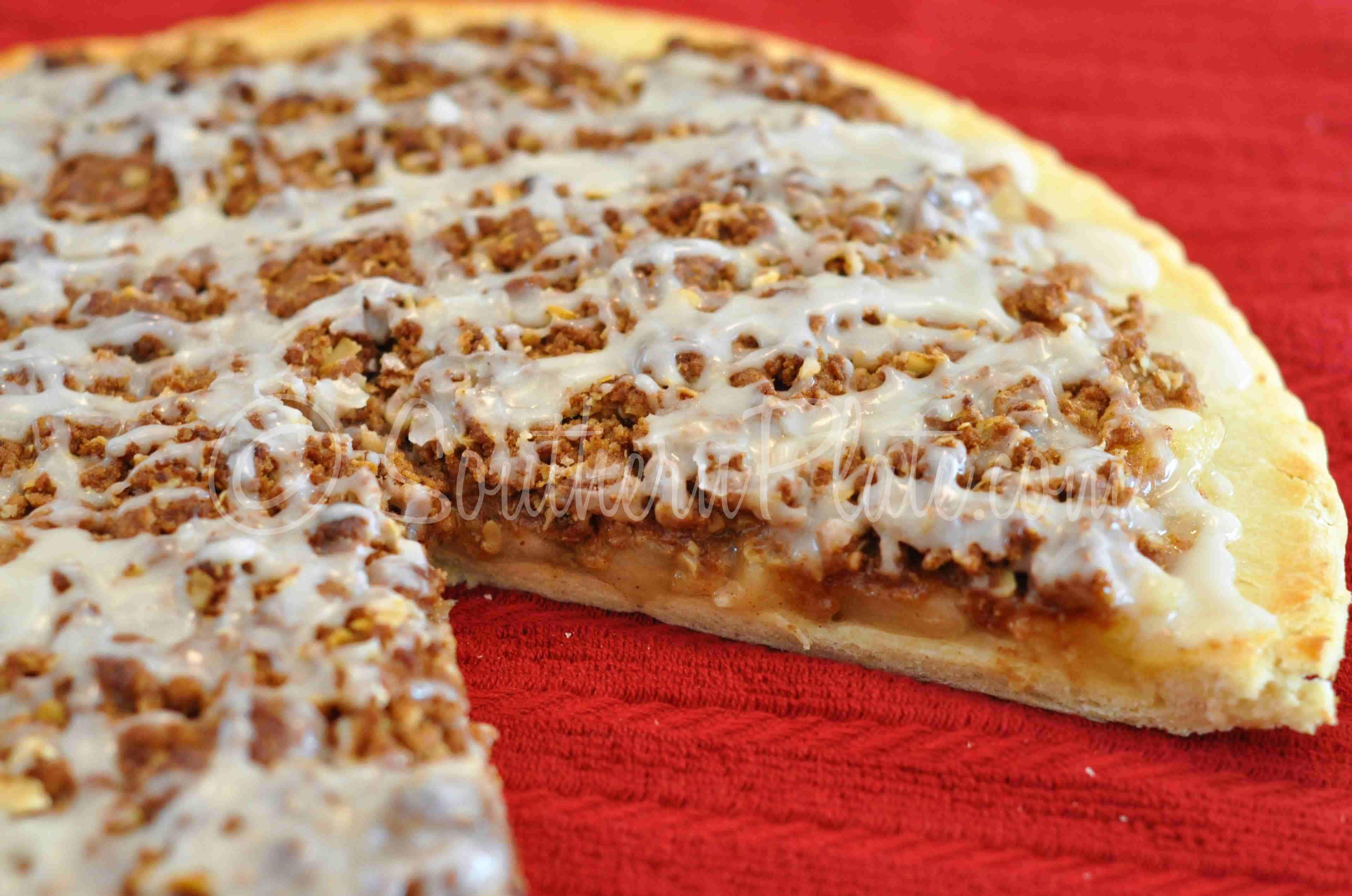 Pizza Hut Apple Pie  Apple Doozie Dessert Pizza Southern Plate