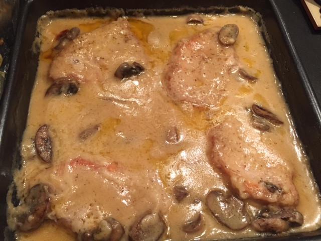 Pork Chops Cream Of Mushroom Soup  pork chops with cream of mushroom soup in oven with rice