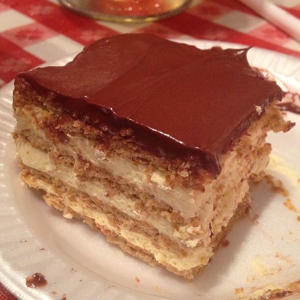 Portillos Chocolate Cake Recipe  portillos chocolate eclair cake recipe