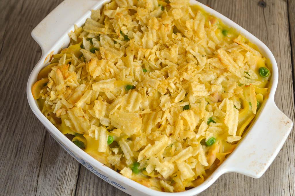 Potato Chip Casserole  Mom s Tuna Casserole with Crumbled Potato Chips