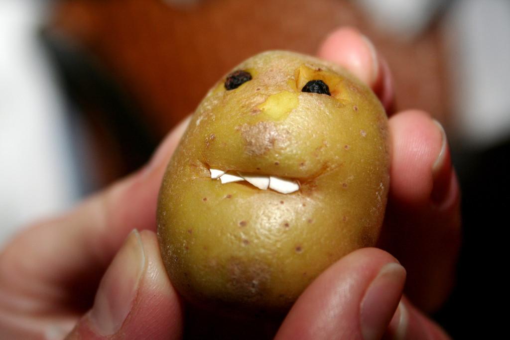 Potato With A Face  Creepy potato face