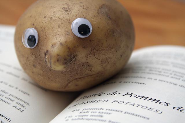 Potato With Eyes  When boys flirt with me I turn into a potato ask bros