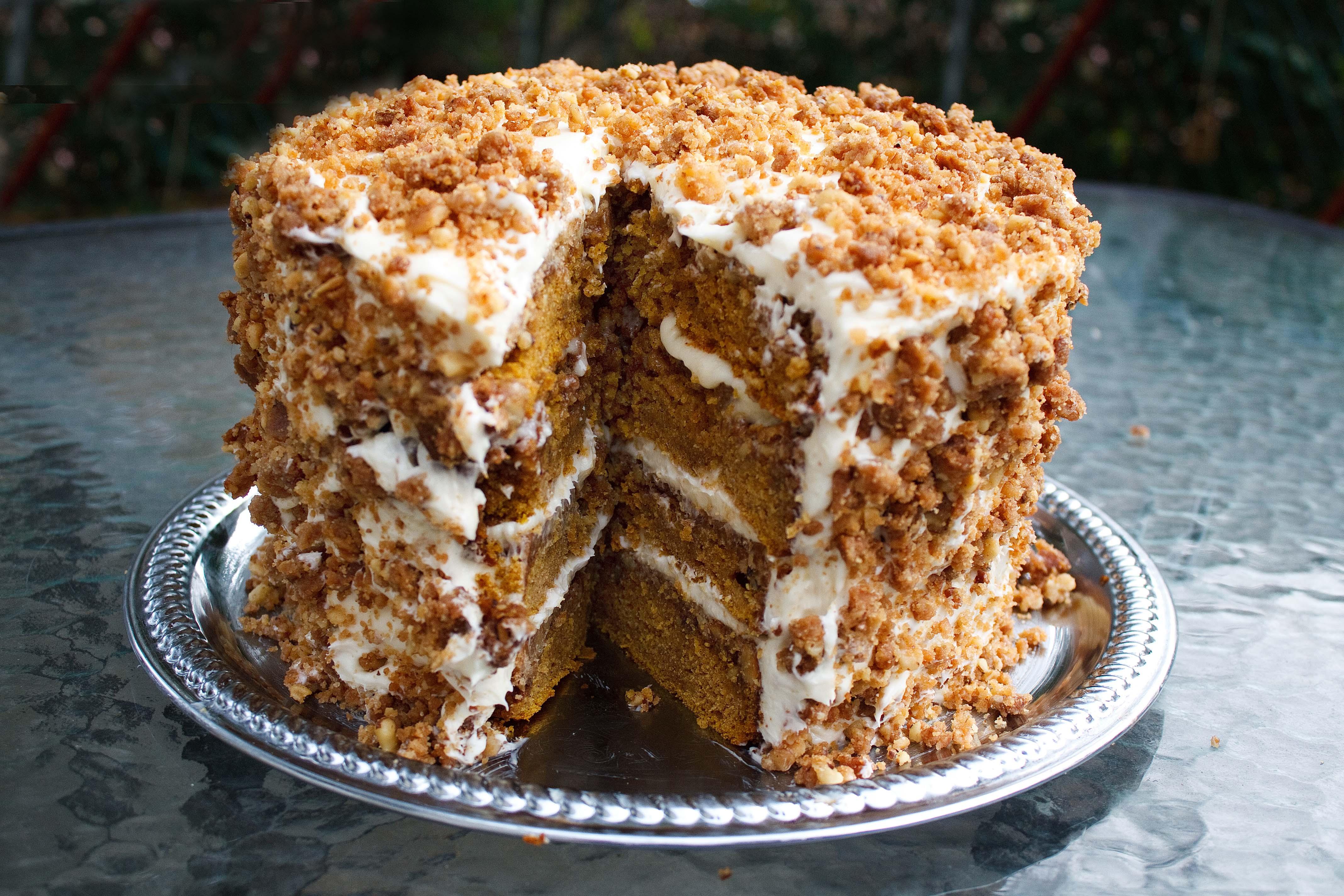 Pumpkin Crunch Cake Recipe  The Great Pumpkin Crunch Cake & Cream Cheese Mascarpone