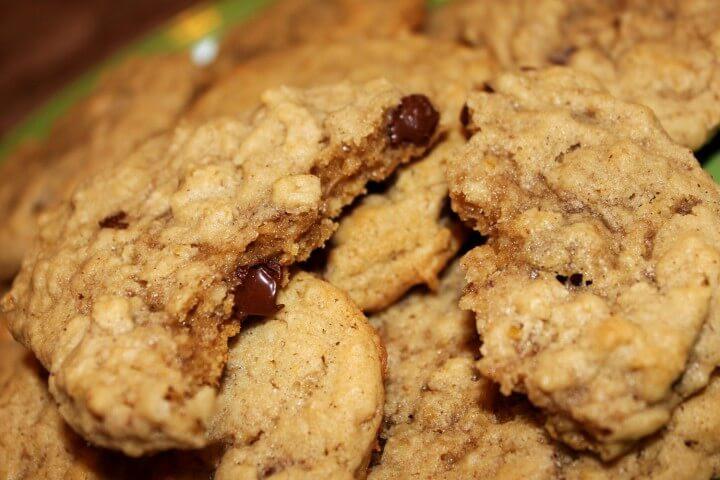 Quaker Oats Oatmeal Cookies  Quaker Vanishing Oatmeal Raisin Cookies Recipe