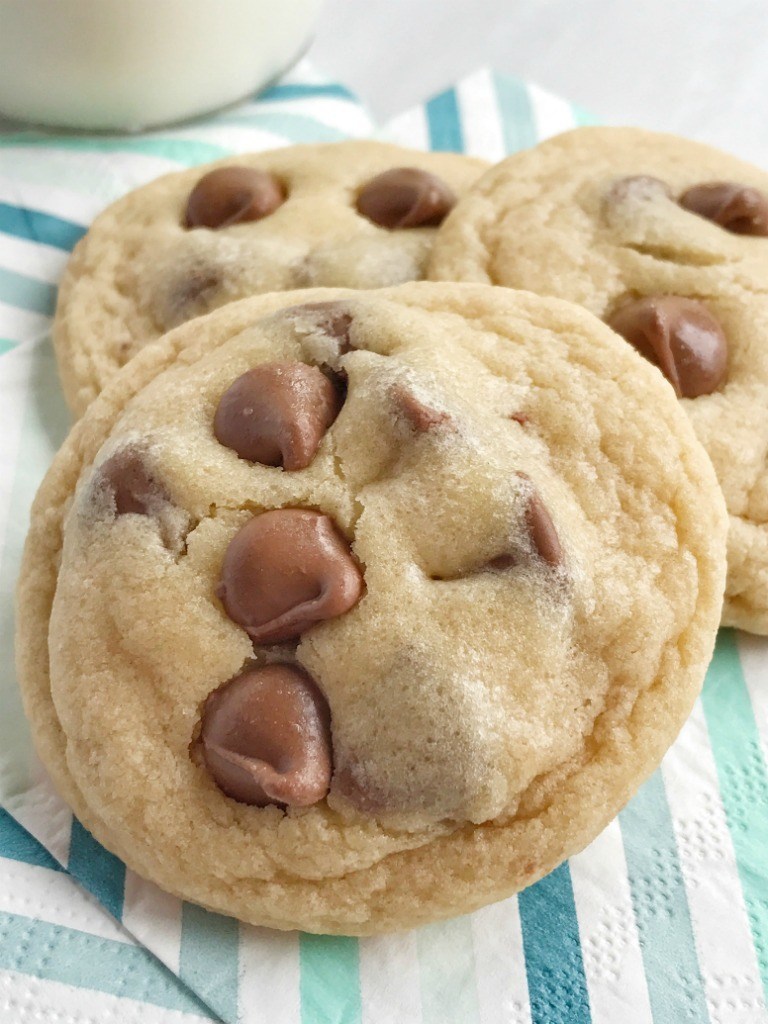 Quick Chocolate Chip Cookies  Easy Bisquick Chocolate Chip Cookies To her as Family