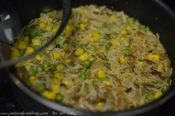 Quick Dinner Ideas Indian  Weekend Ramblings Easy Indian Cooking Peas and Corn Pulao