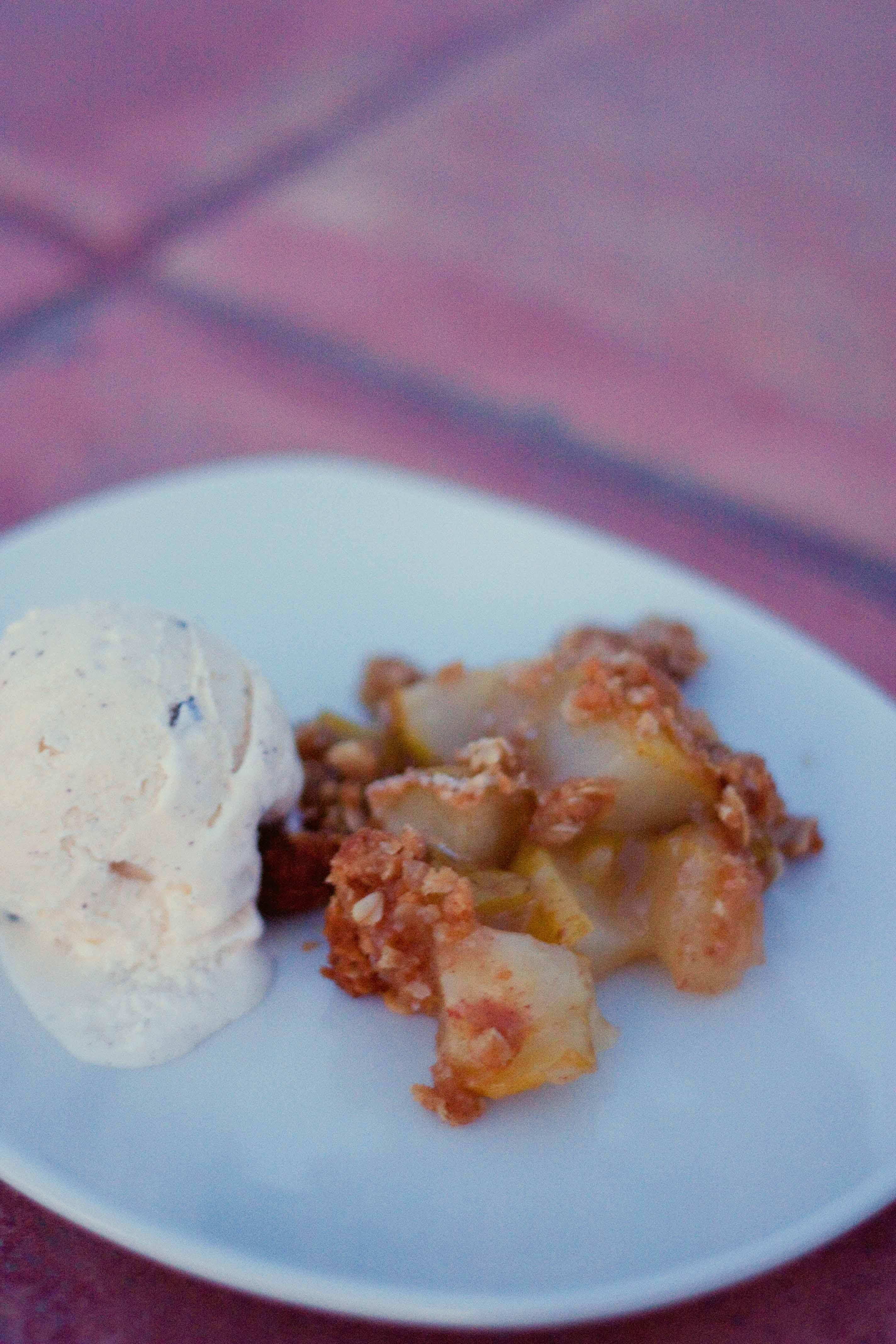 Quick Pear Dessert  Quick and Easy Pear Crisp – Foodologie