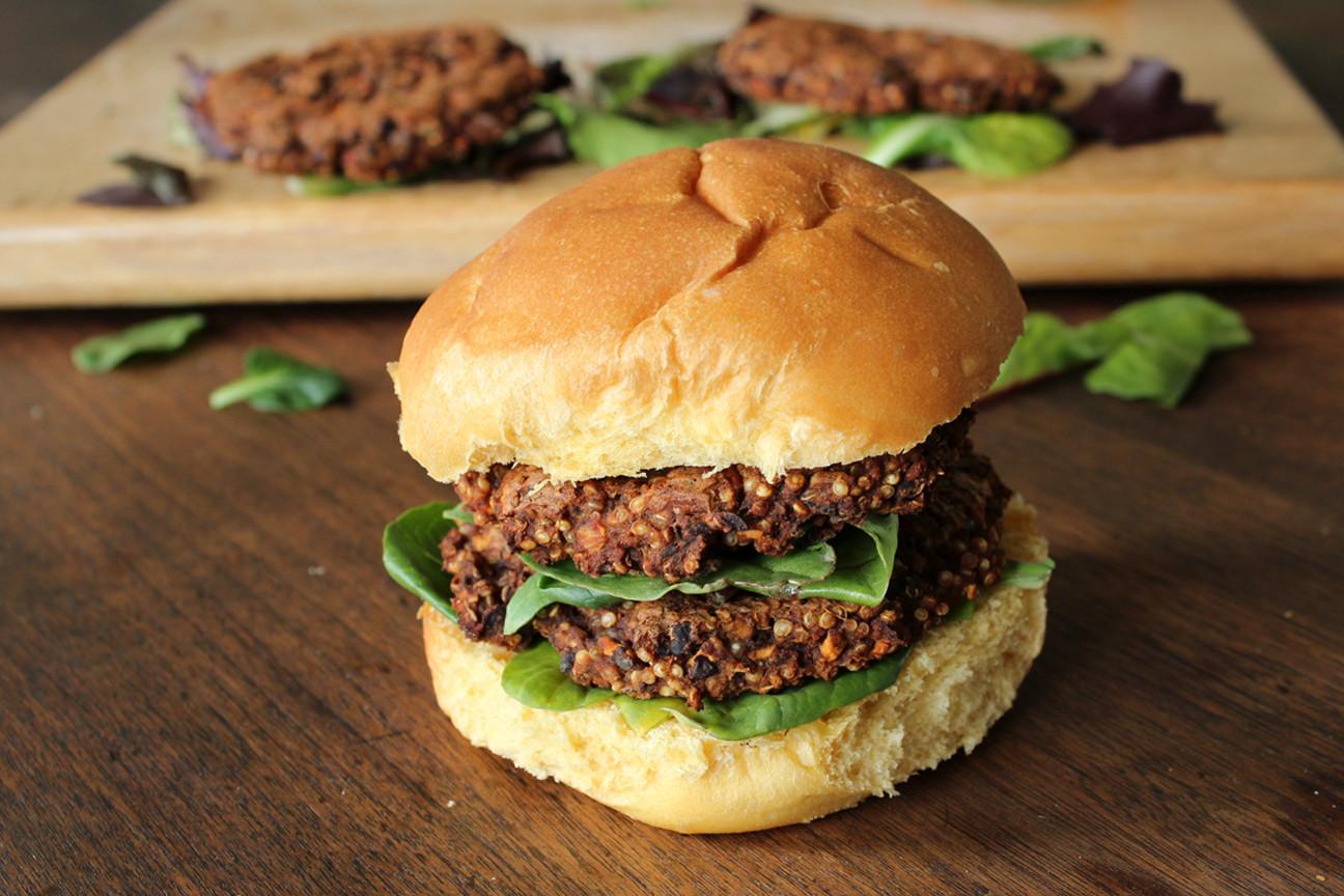 Quinoa Black Bean Burger  Quinoa Black Bean Burgers