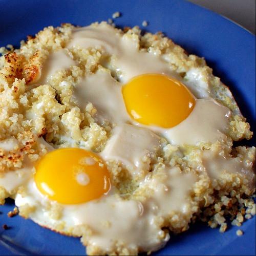 Quinoa Breakfast Eggs  popped quinoa and cheesy eggs spabettie