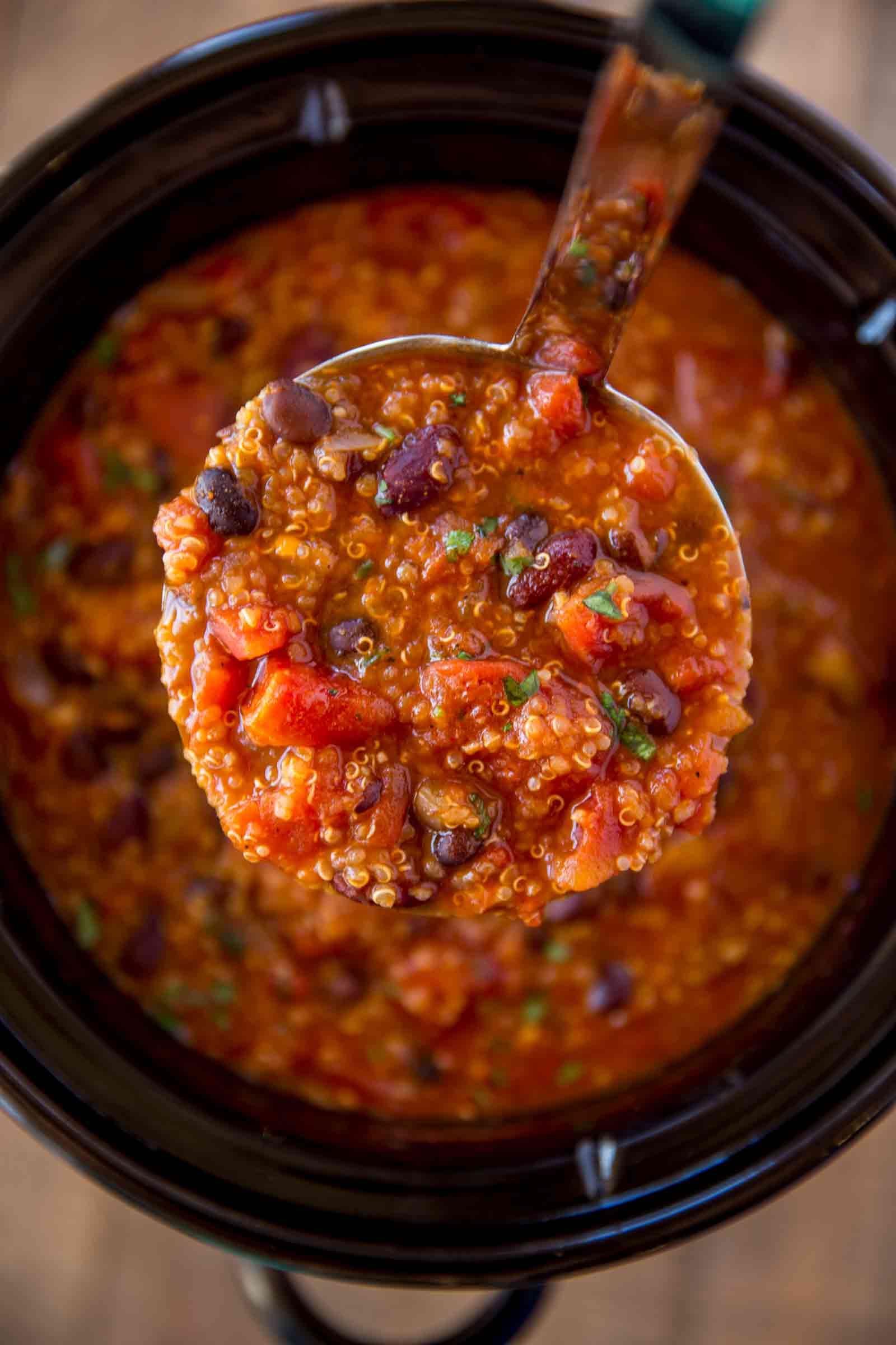 Quinoa Slow Cooker  Slow Cooker Ve arian Quinoa Chili Cafe Delites