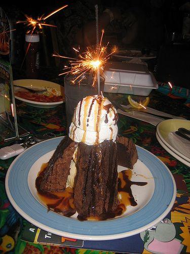Rainforest Cafe Desserts Menu  Sparkling Volcano Dessert Rain Forest Cafe MUST GET