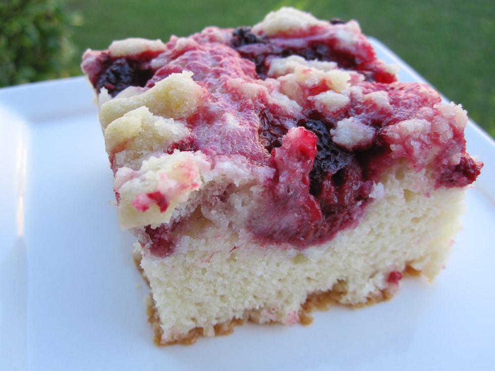Raspberry Coffee Cake  Annie s Eats Raspberry Sour Cream Coffee Cake